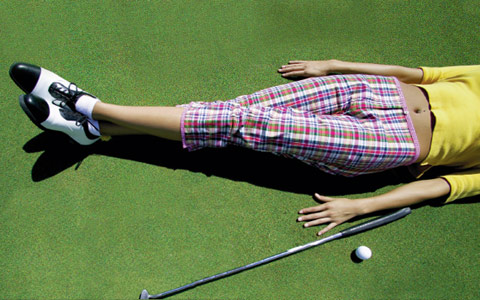 Columbus Ohio web design firm's graphic of golfer lying on green